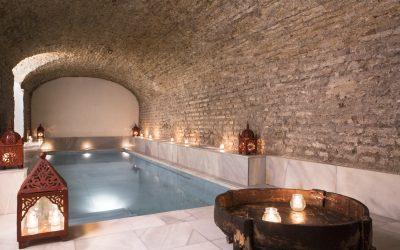 Baden in rode wijn in het Arabisch badhuis van Sevilla