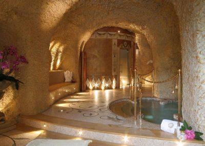 Villa Aminta ligt in een grot