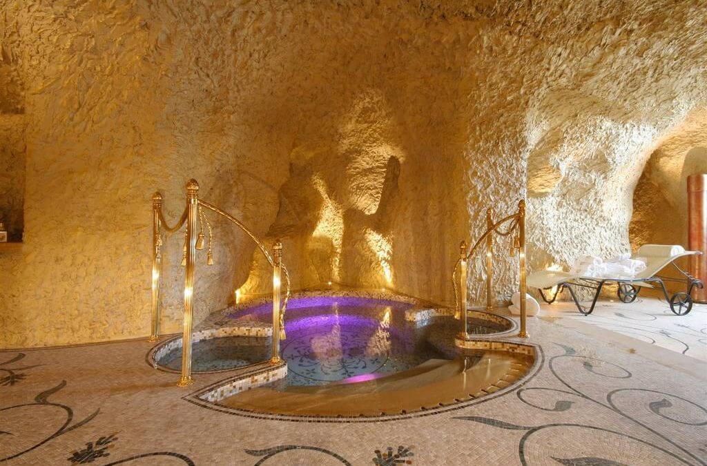 Wellness in natuurlijke Grotta Palazzo Aminta, Stresa