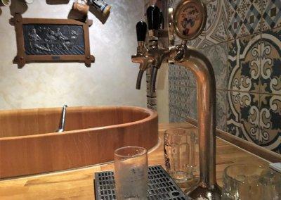 Onbeperkt bier drinken in bad