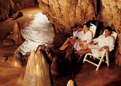 Ontspannen in de thermale grot